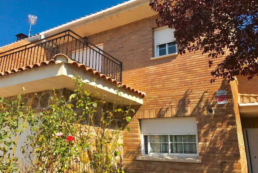 134238611 1 850x570 - Casa Adosada Villanueva de la Cañada