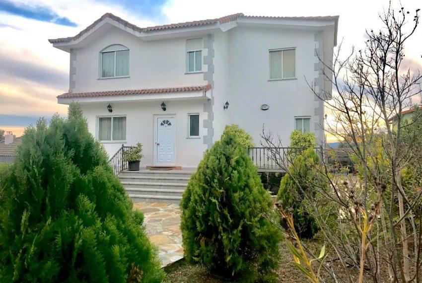 166108620 850x570 - chalet individual en venta urbanización Valdemorillo