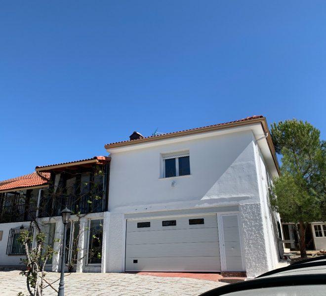 231932278 660x600 - Chalet en venta valdemorillo urbanización