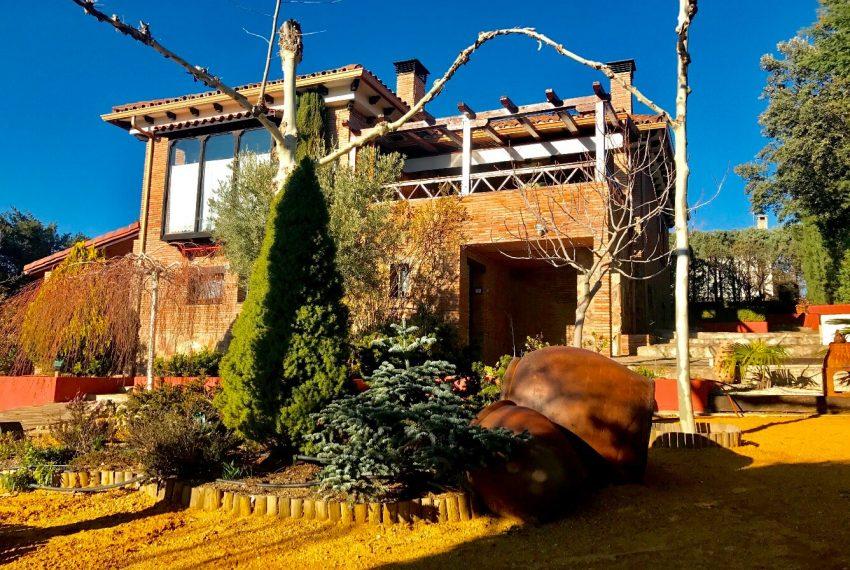 170446132 850x570 - chalet en venta Valdemorillo Urbanización